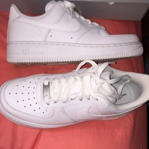 White Air Forces Low